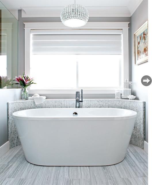 White rock residence classique chic salle de bain - Salle de bain classique chic ...