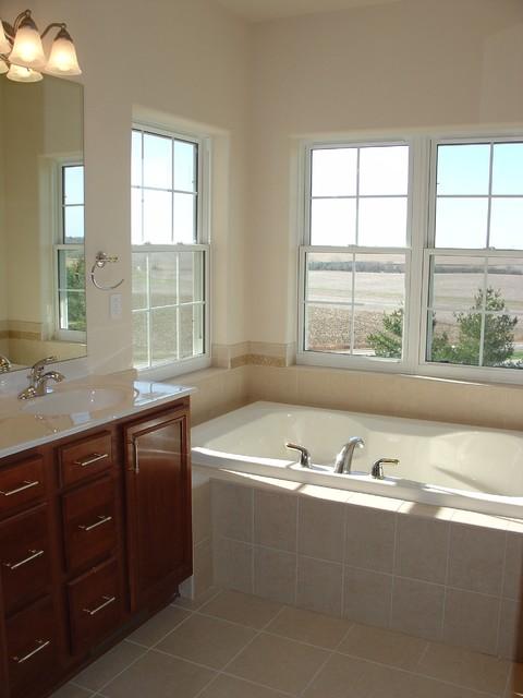 Wildrose traditional-bathroom