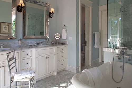 Calm coastal paint colors color palette monday for Florida bathroom ideas