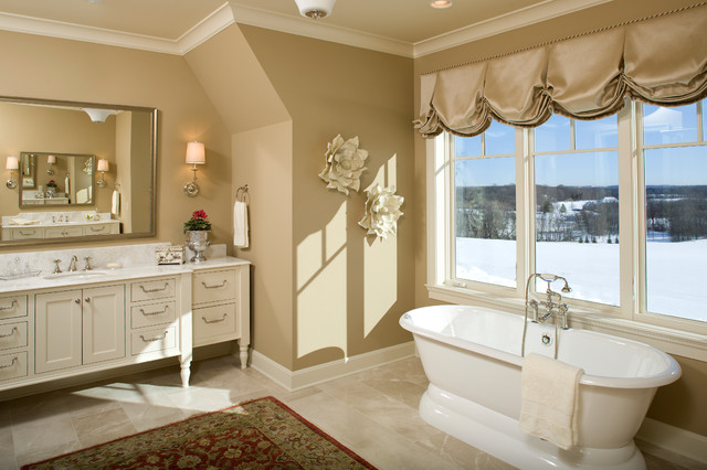 Willow Hill Estate traditional-bathroom
