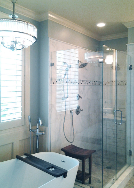 Innovative Midsized Transitional Master Bathroom Idea In Wilmington With An