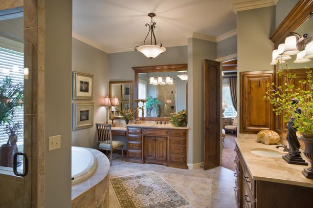 Wilshire Farms traditional-bathroom