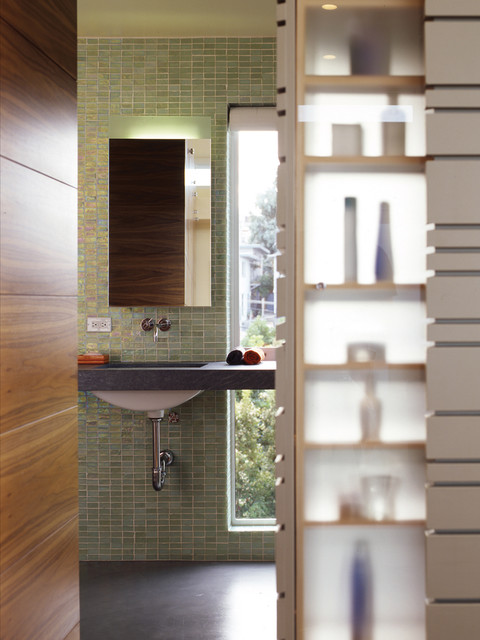 Schwartz and Architecture modern bathroom