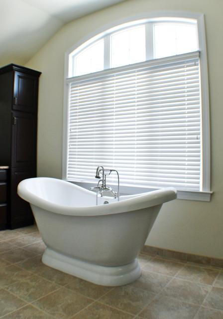 Wood Blinds In Master Bath Modern Bathroom Philadelphia By Rosen Inte