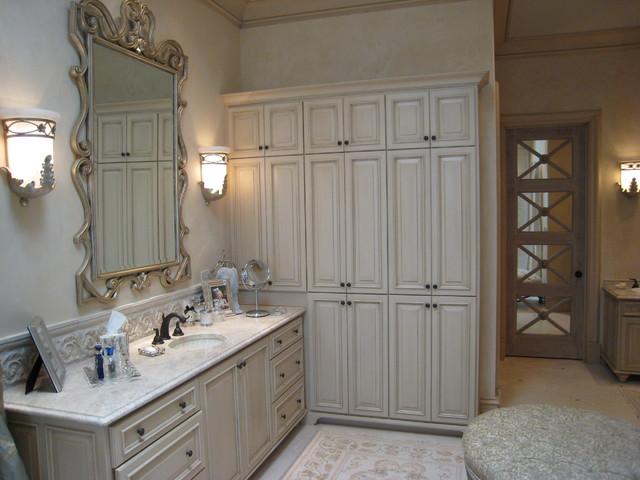 Wood Finish mediterranean-bathroom