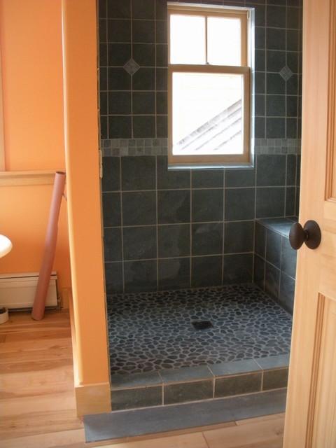 Woodbury Off The Grid Home Contemporary Bathroom