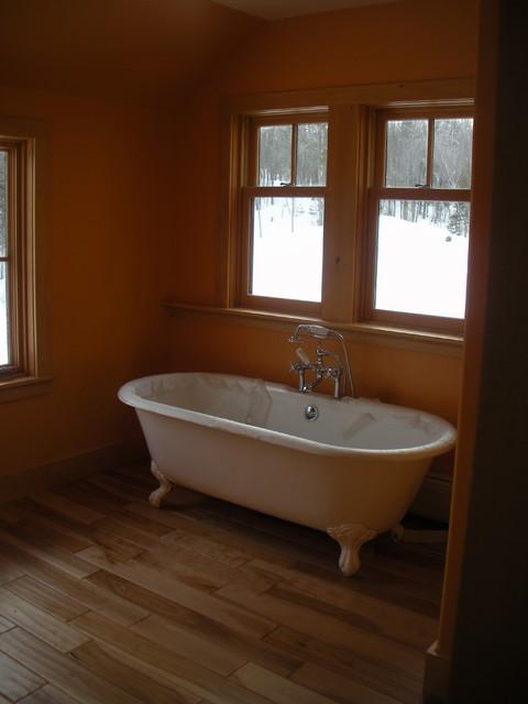 Woodbury Off The Grid Home Traditional Bathroom