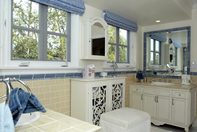 Woodland Hills Traditional Jack And Jill Bathroom Remodel Farmhouse Bathroom Los Angeles