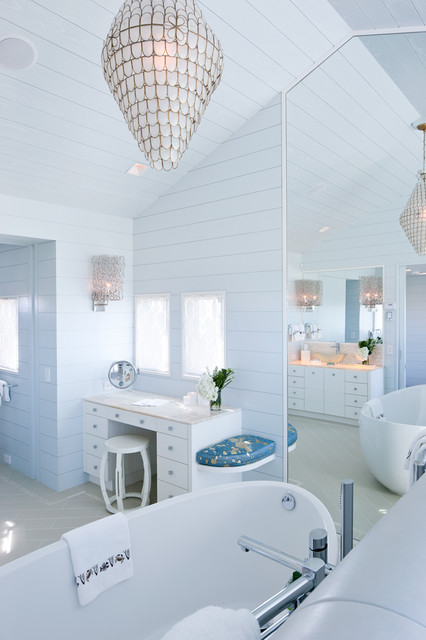 Woodmeister Master Builders - WestWind beach style bathroom