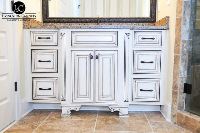 Woods | Cabinetry traditional-bathroom