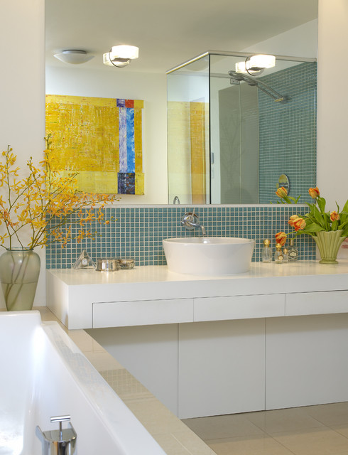 Works Photography Inc. modern bathroom