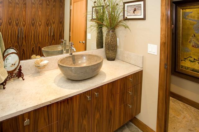 Wulf Residence modern-bathroom