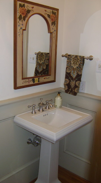 www.homestagingcareerforless.com traditional bathroom