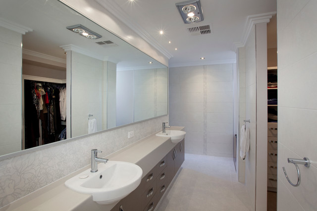 Photo of a mid-sized contemporary bathroom in Perth.