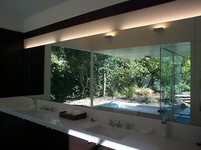 Z Residence contemporary-bathroom