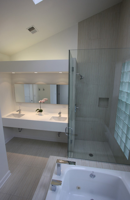 Zen bathroom remodel in east lakeview asian bathroom for Bathroom supply chicago
