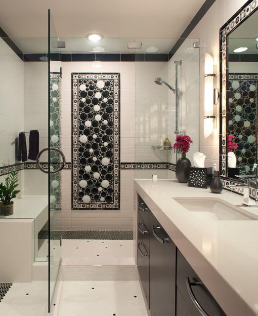 Tiled Bathtub: Contemporary