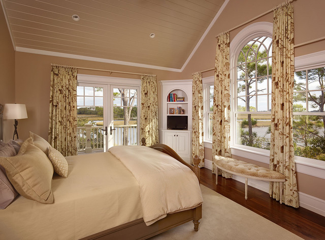 13 Summer Island traditional bedroom