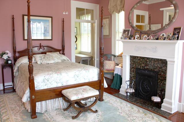 "134 Broad Street ""John Klinck House"" traditional-bedroom"
