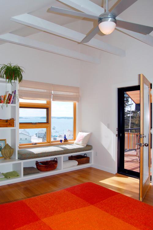 Bedroom - contemporary bedroom idea in San Francisco