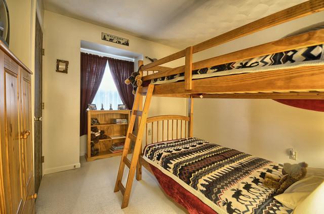 19 N Seasons Drive, Dillsburg PA traditional-bedroom