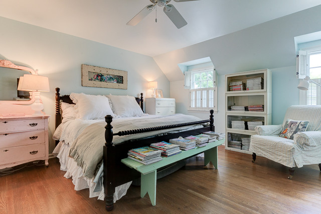 1940s Farmhouse In The City Shabby Chic Style Bedroom