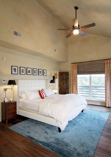 1970′s Waterfront Remodel in Spicewood traditional-bedroom
