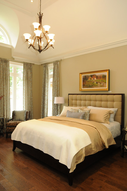 351 Lakeshore traditional bedroom