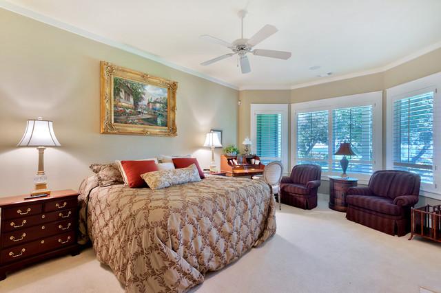 4825 Soundside Drive traditional-bedroom