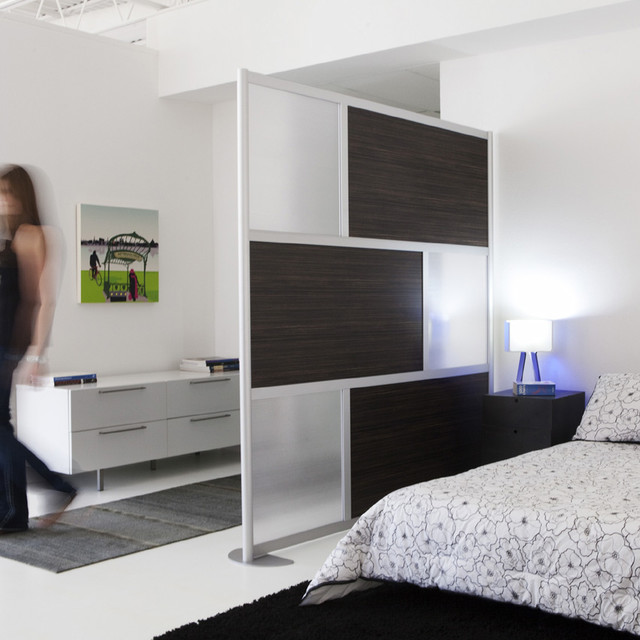 Beau Design Ideas For A Modern Bedroom In Dallas.