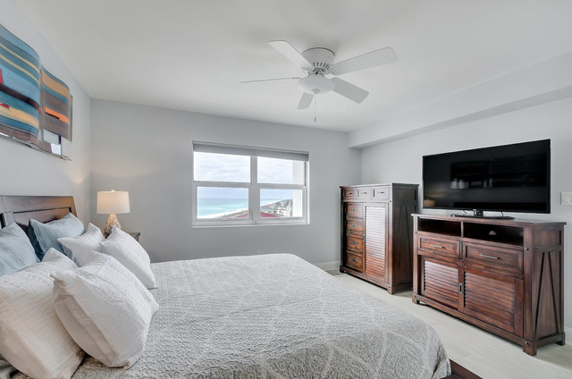 808 west regency towers pensacola beach florida for Bedroom furniture 77584