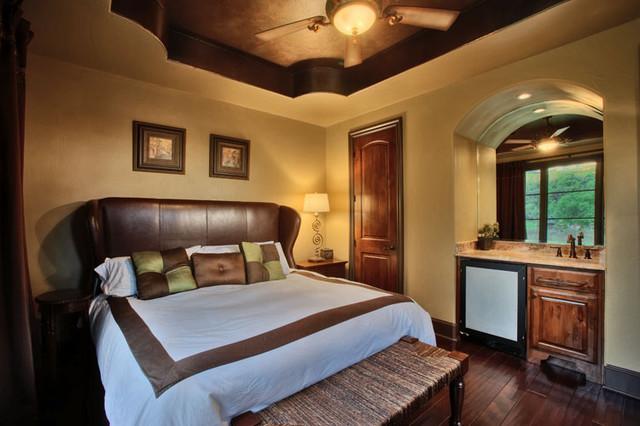 8200 Big View mediterranean-bedroom