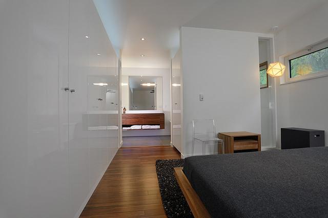 92 Southkingsway modern-bedroom