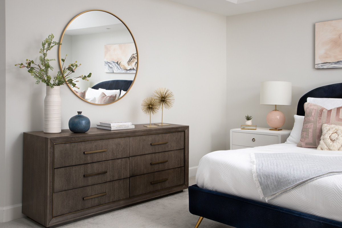 A Master Bedroom to Make You Blush