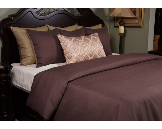 Bedding 2013 - Plum Linen like solid paired with a Flaxen accent. Print decorative pillow in Plum, Flaxen and Sage.