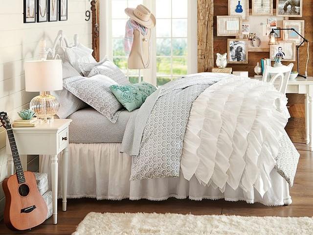 Amanda Florette Bedroom