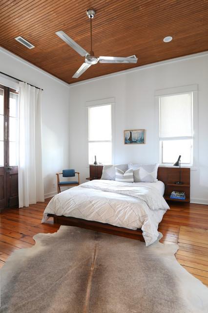 Amy Trowman Design - Beach Houses beach-style-bedroom