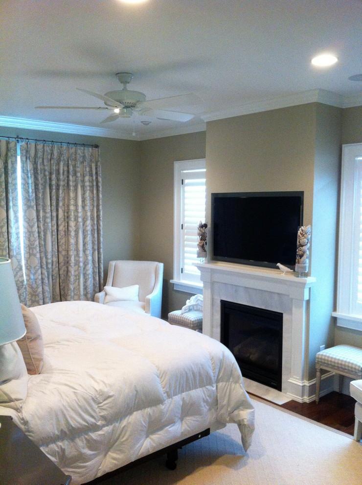 Elegant bedroom photo in Tampa