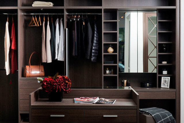 Anthracite Walk In Dressing Room With Built In Dressing