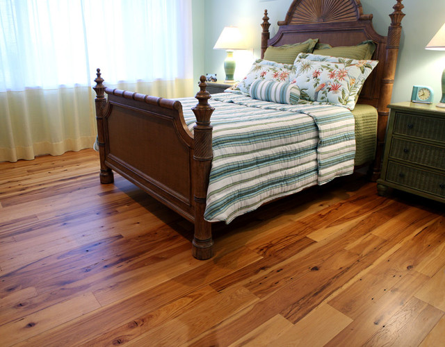 Traditional Bedroom Carpet : Antique hickory hardwood flooring traditional bedroom