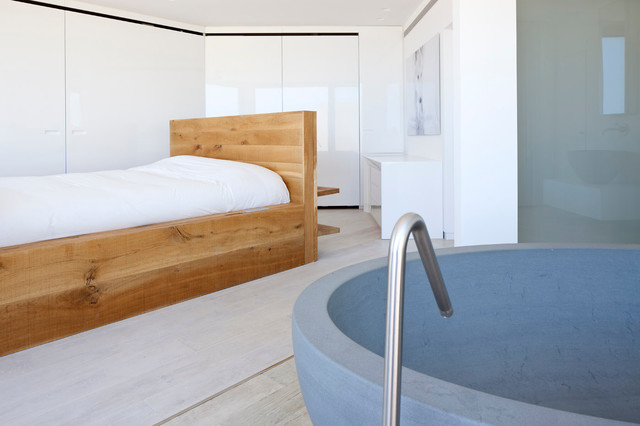modern bedroom by Gerstner