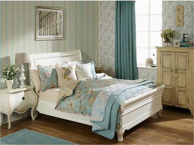 Aquitaine Eau De Nil Shabby Chic Style Schlafzimmer Hertfordshire Von Unidrape Blinds Interiors