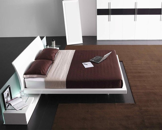 Aron - Contemporary Bed - Features