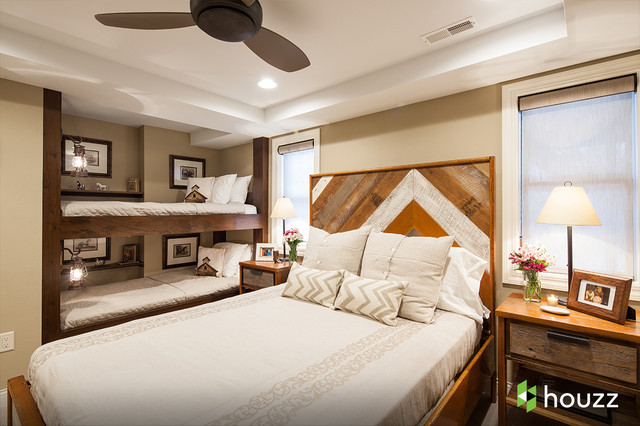 Mountain style guest bedroom photo in Other with beige walls. 12 X 10 Room Bedroom Ideas And Photos   Houzz