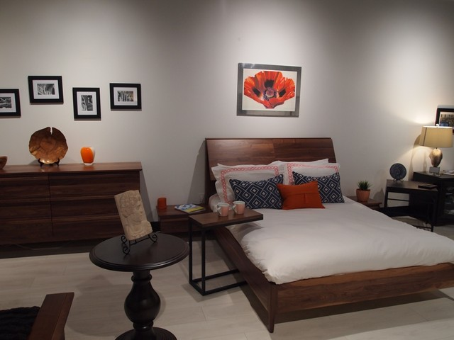 Atelier Collection: Natural Walnut with Adjustable Headboard - Mid ...