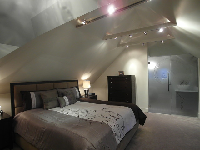 Attic bedroom and ensuite contemporary bedroom for Bedroom with ensuite designs