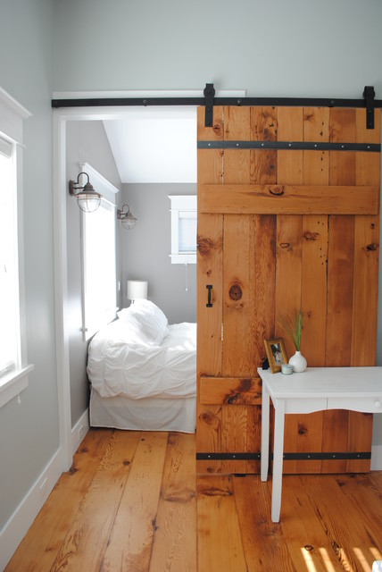 Backyard cottage for Rustic cottage bedroom