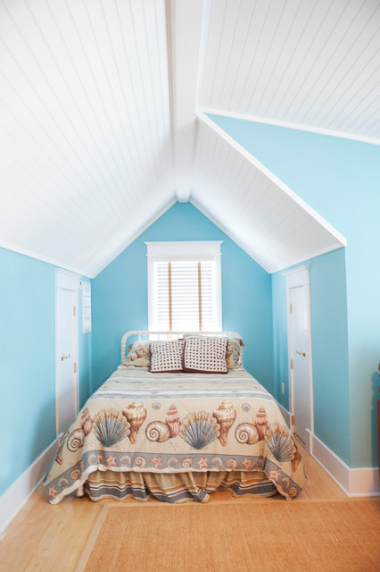 Beach Cottage traditional-bedroom