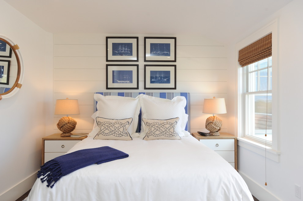 Inspiration for a coastal guest bedroom remodel in New York with white walls