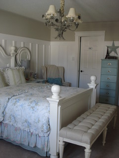 Beach Style Master traditional bedroom